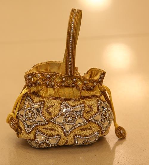 Star Shine Women Wedding & Festive Hand bag