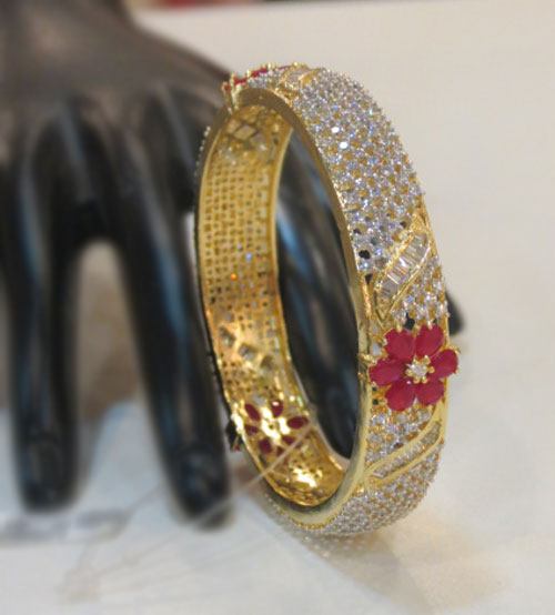 Red Flower Stone with white Pearl Bangle