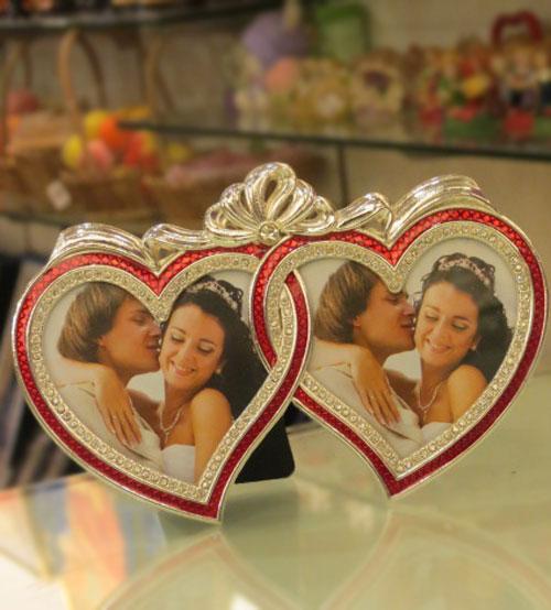 Lovable Valentine Shiny Red Photo Frame