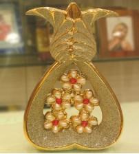 Golden Pearl Flower Vase